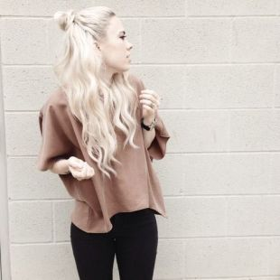 long-hair-top-knot